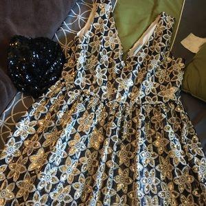 Dresses & Skirts - Mini sequins dress
